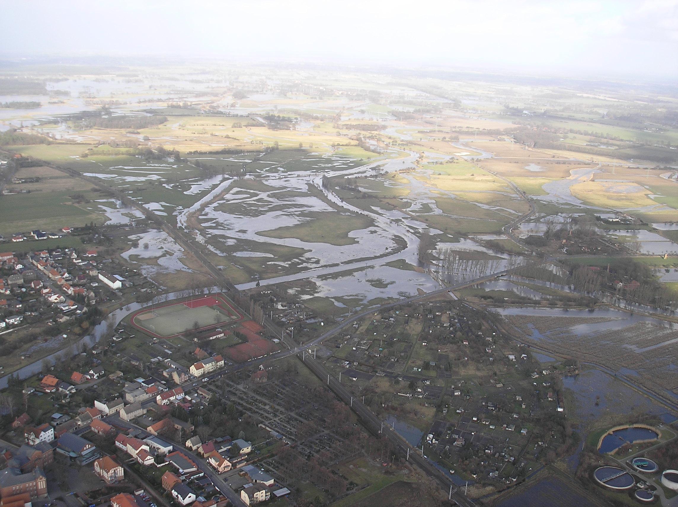 Blick über Osterburg in die Wische